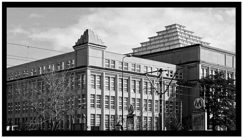 2a_dzien budynek