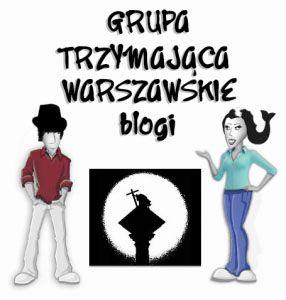 grupa trzymajaca warszawskie blogi