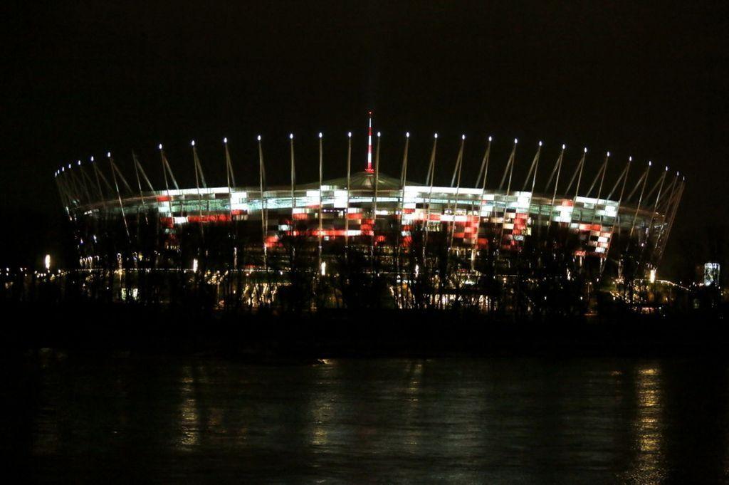 stadion narodowy napis paris