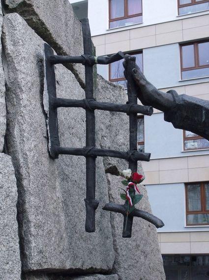 pomnik ofiar pragi_11