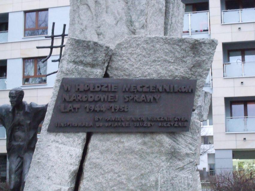pomnik ofiar pragi_16