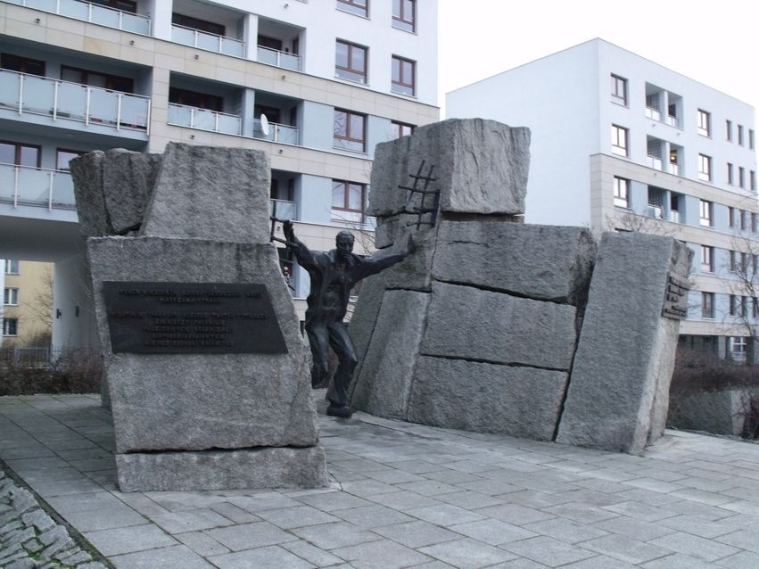 pomnik ofiar pragi_3