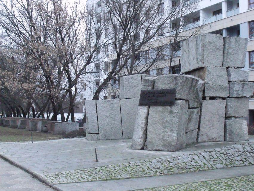 pomnik ofiar pragi_6