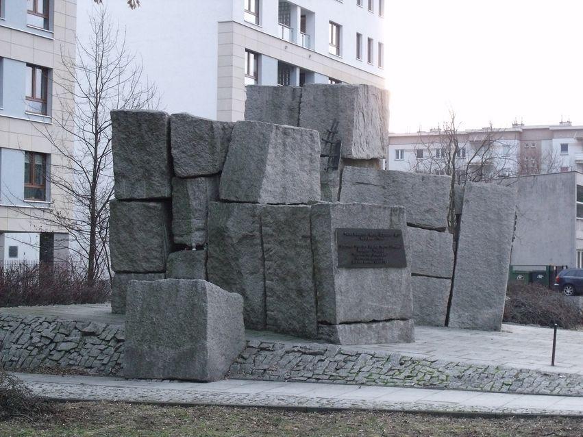 pomnik ofiar pragi_7