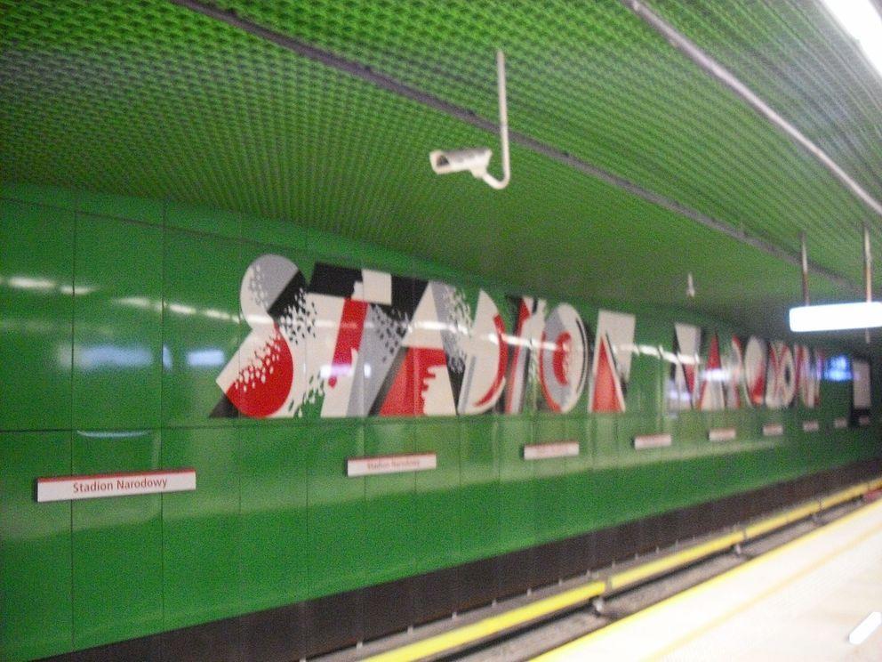 stacja metra 8