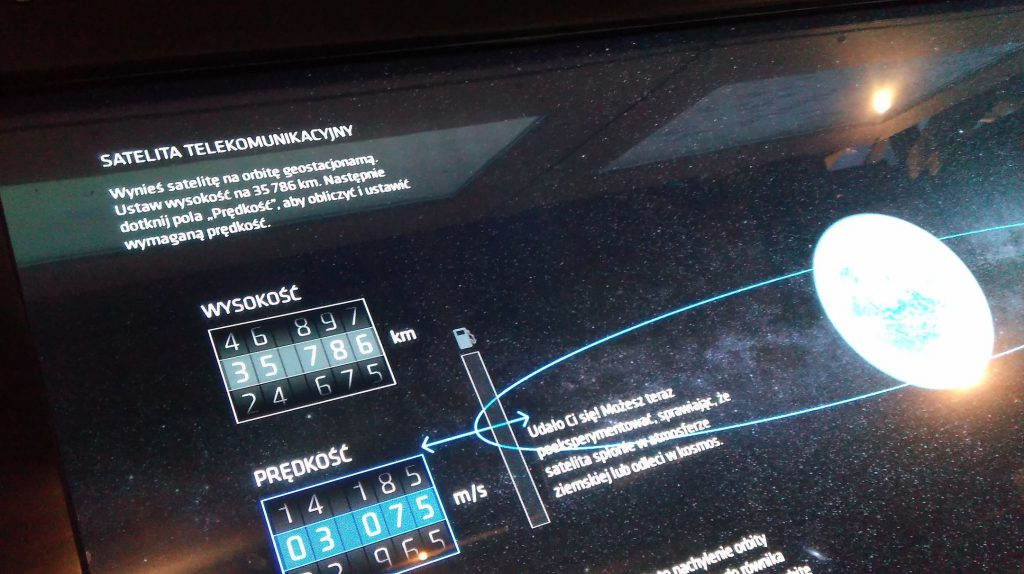 Patrz: Ziemia, Planetarium Niebo Kopernika