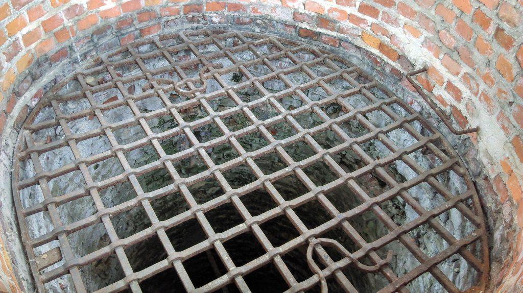 Studnia na dziedzińcu zamkowym w Lublinie